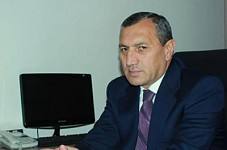 Collecting Signatures against Surik Khachatryan's Appointment as Syunik Regional Head