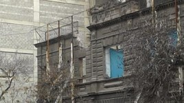 Yerevan Mayor Not Content with His Employees' Explanations on Destruction of Building at 2 Amiryan