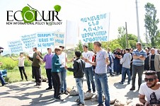 Protest Demonstration in Garni: Garni Residents Blocked Garni-Yerevan Roadway (Photos)