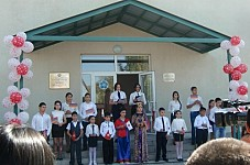 Pupils are Happy to Begin Their School Year in a Renovated school