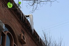 Ministry for Emergency Situations Warning: Don't Get Rid of Icicles By Yourselves: Call 911