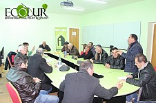 Astghadzor Residents Demanding from RA Nature Protection Minister and Health Minister and Gegharkounik Regional Head to Return Their Village Water