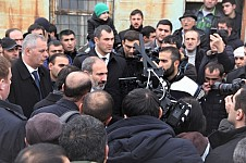 Petition on Making Jermuk Economic and Environmental Area and Banning Mining Handed to Nikol Pashinyan