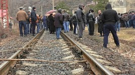 Alaverdi Copper Smelting Employees Again Blocked Interstate Railroad