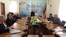 Armenian Businessmen from Diaspora Interested in Hydropower, Solar and Geothermal Energy