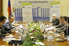 Solar Photovoltaic Systems To Be Installed on Roofs of 90 Buildings in Yerevan