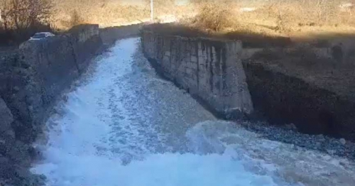 Environmentalist Beating Alarm Signal: Norashenik River Changed Its Colour Because of Tails from Artsvanik Tailing Dump: ZCMC Denying